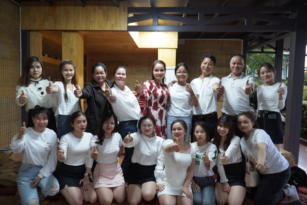 Phạm Văn Nam đào tạo đội nhóm bán hàng của thẩm mỹ viện thanh thủy đức trọng lâm đồng