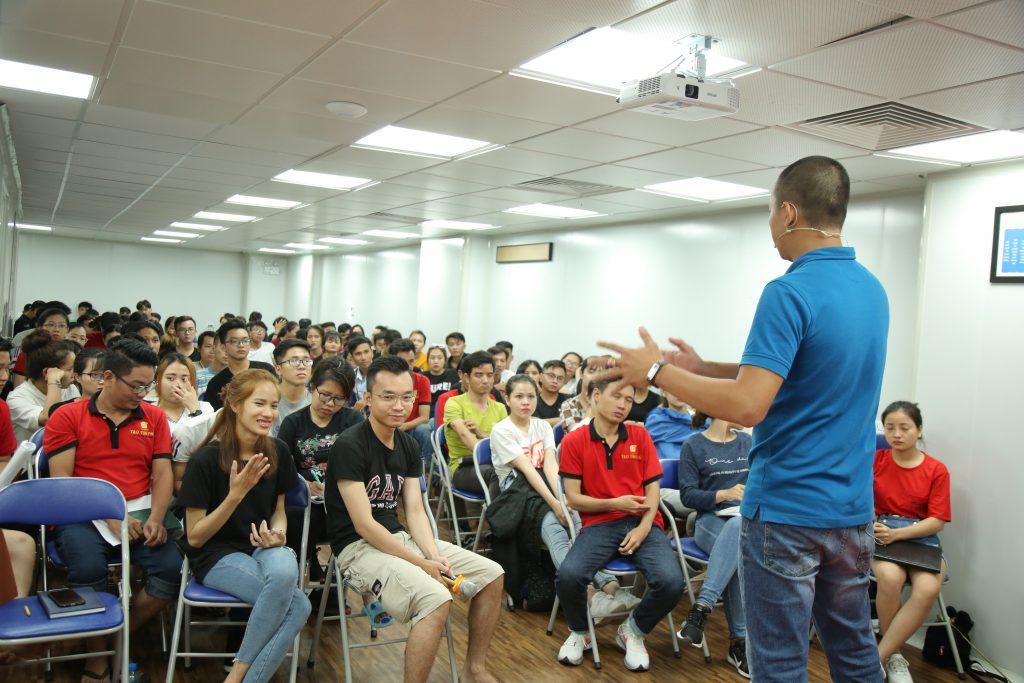 Phạm Văn Nam đào tạo môi giới bất động sản